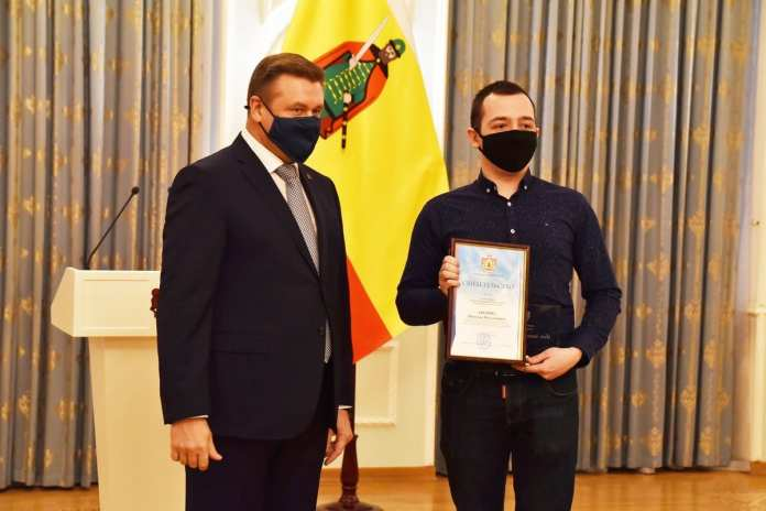 Рязанских молодых ученых наградил Николай Любимов