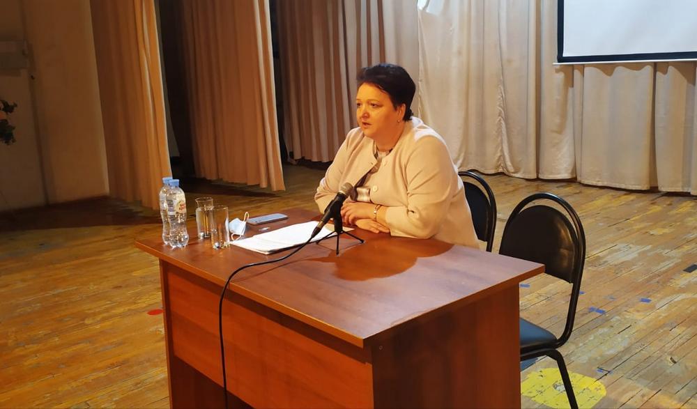 Елена Митина встретилась с представителями родительских комитетов школ Александро-Невского района