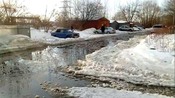 Дорога в Недостоеве скрылась под водой