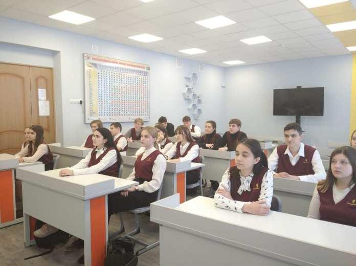 Рязанская НПК рассказала школьникам об экологичном производстве