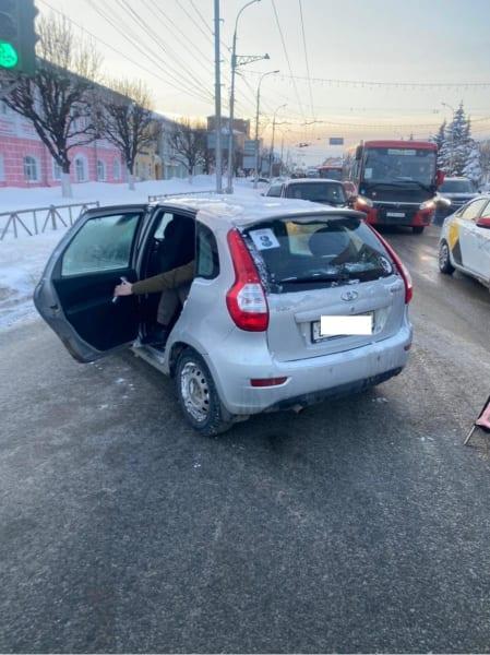 Годовалый ребенок пострадал в серьезной аварии в центре Рязани