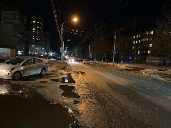 """В Рязани """"Хёндэ Солярис"""" сбил 31-летнюю женщину на переходе"""