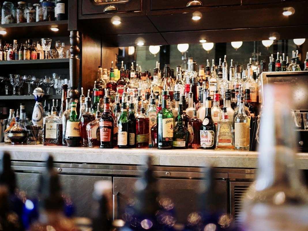 Липецкие чиновники нагрянули в полуподпольный бар