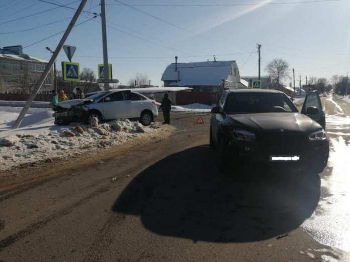 """В аварии """"БМВ"""" и """"Форда"""" в Сасове пострадала 39-летняя женщина"""