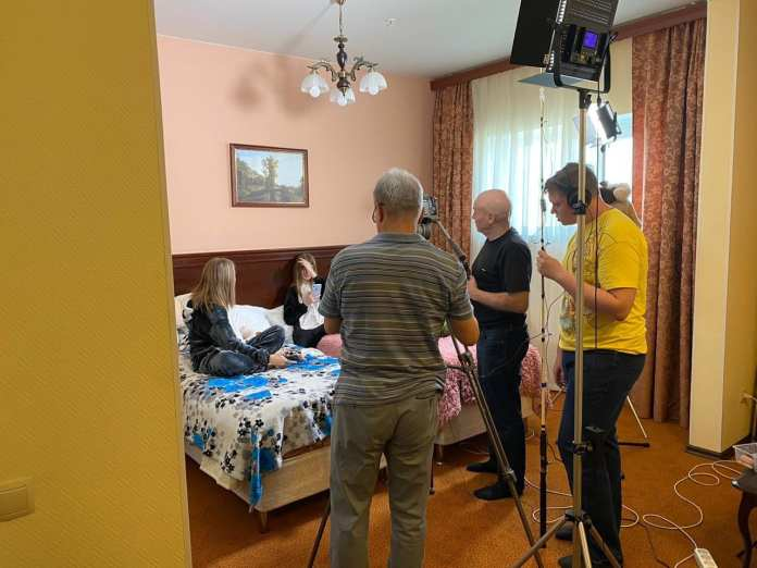 Создатели «Физрука», «Ворониных» и «Реальных пацанов» запустили совместный сериал с рязанской киношколой «Перспектива»