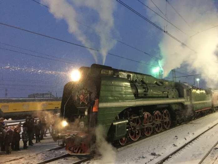 Рязанцы опубликовали фотографии приехавшего в город ретропоезда