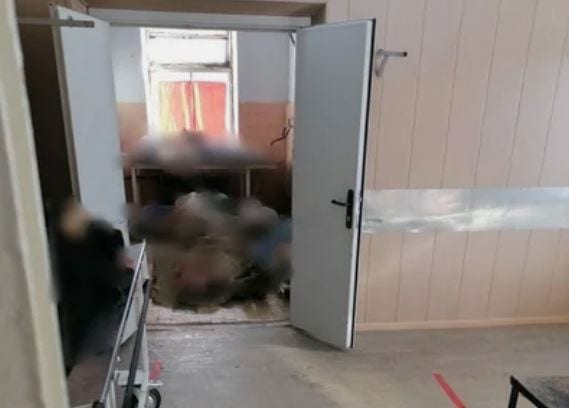 Жители Сафоново в Смоленской области обсуждают лежащие на полу морга трупы