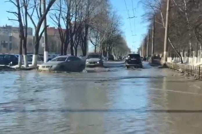 В Рязани затопило проезд Шабулина