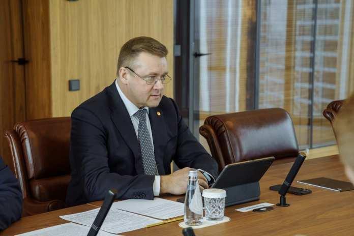 Николай Любимов встретился с министром промышленности РФ