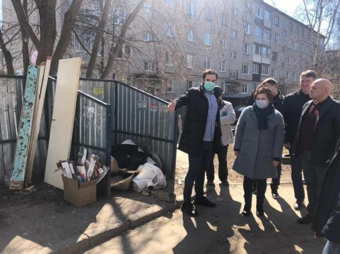 Мэр Рязани Елена Сорокина осмотрела контейнерные площадки во дворах