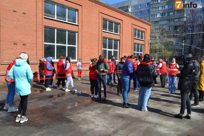 Любимов поздравил рязанских врачей скорой помощи с профессиональным праздником