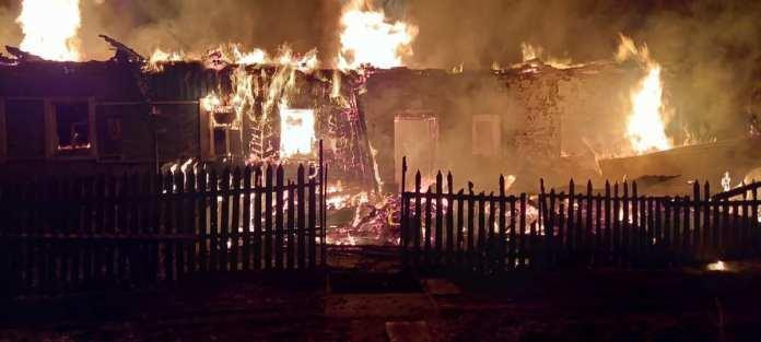 Опубликованы фото трагического пожара в Скопинском районе