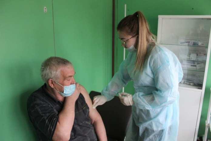 60 жителей скопинского села Ильинка сделали прививку от коронавируса