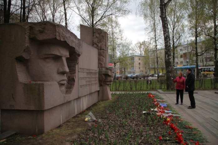 Накануне Дня Победы депутаты Рязанской Гордумы проверили состояние памятников