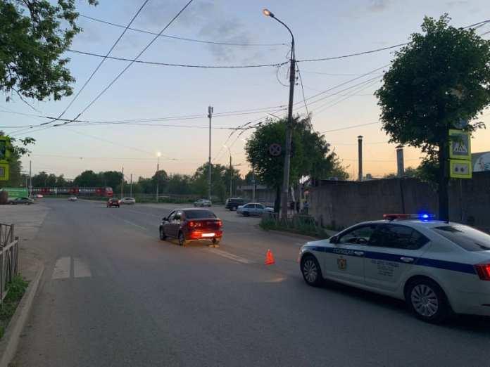 """В Рязани """"Рено Логан"""" сбил 10-летнюю девочку на самокате"""