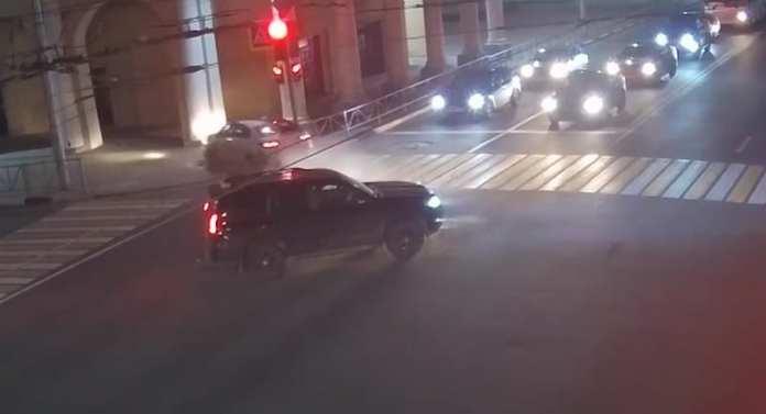 Момент ДТП с двумя пострадавшими попал на видео