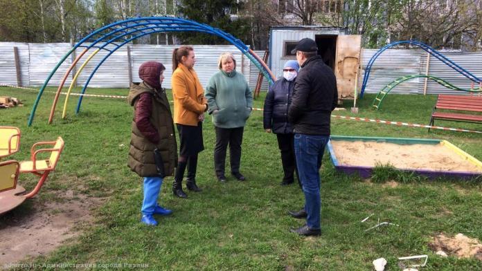 Представители мэрии встретились с рязанцами из-за строительства яслей в Канищеве