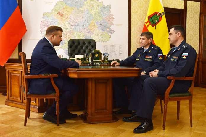 Любимов встретился с новым начальником РВВДКУ Русланом Евкодимовым