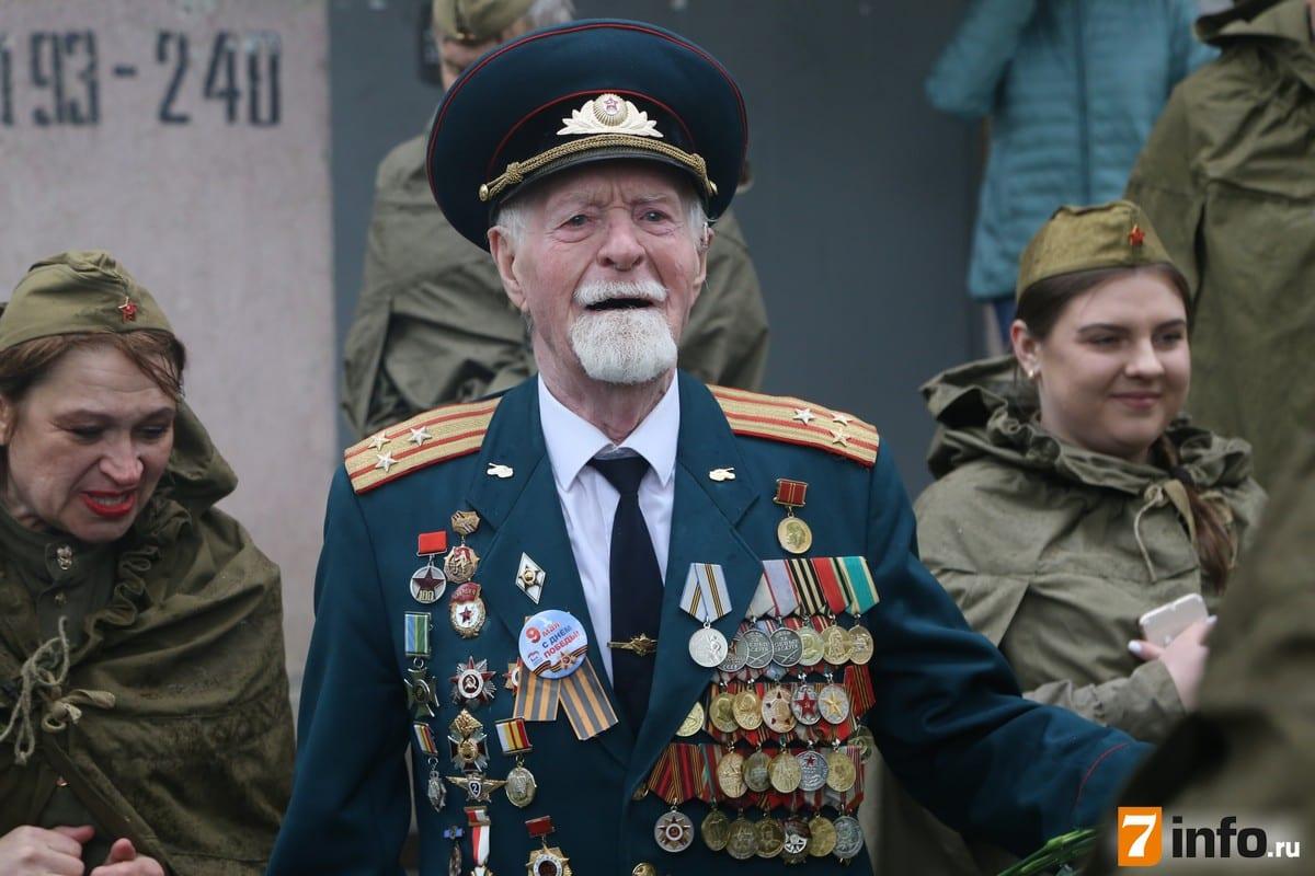 С Днем Победы рязанских ветеранов поздравляют «Фронтовые бригады»