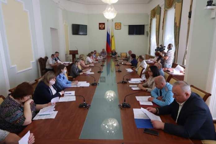 В областной Думе вместе с представителями общественности обсудили законопроект о тишине