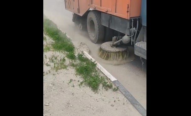 Администрация Рязани объяснила уборку города с пылью