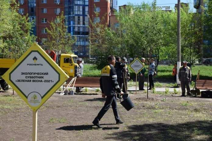 Ещё на двух локациях сотрудники рязанской НПК высадили саженцы деревьев
