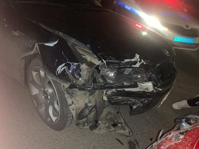 На Московском шоссе в Рязани столкнулись Kia Stinger и BMW