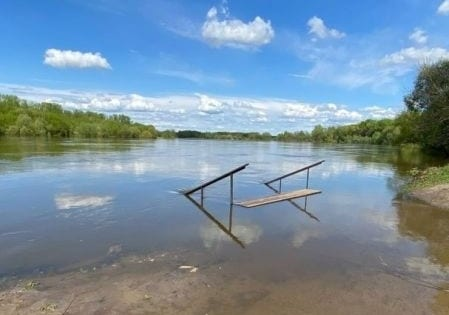 В рязанском Лесопарке снова затопило причал