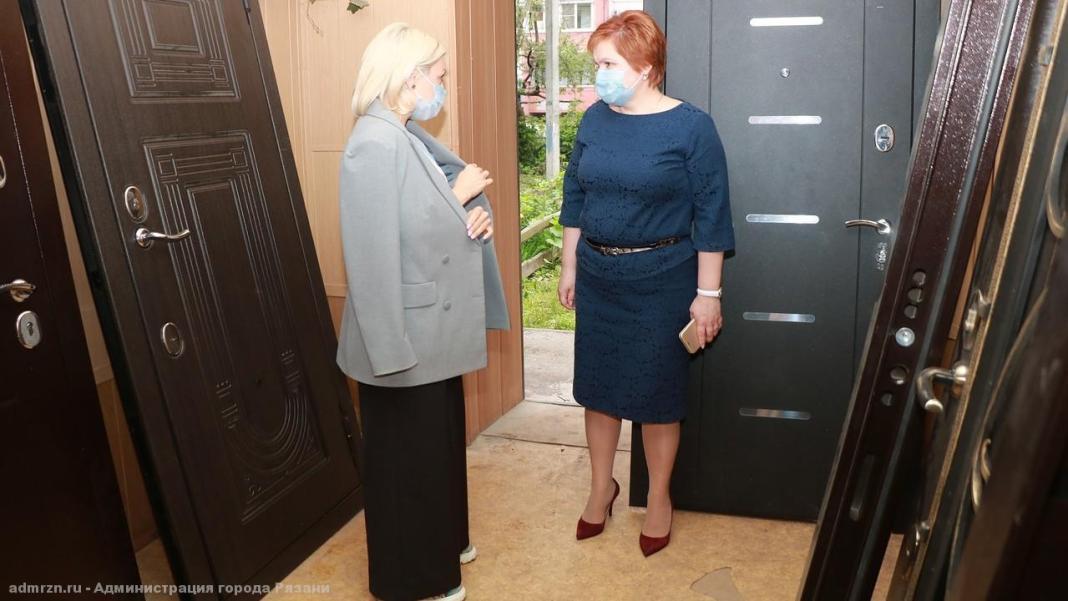 Елена Сорокина осмотрела помещение будущей гостиницы для женщин, попавших в сложную жизненную ситуацию
