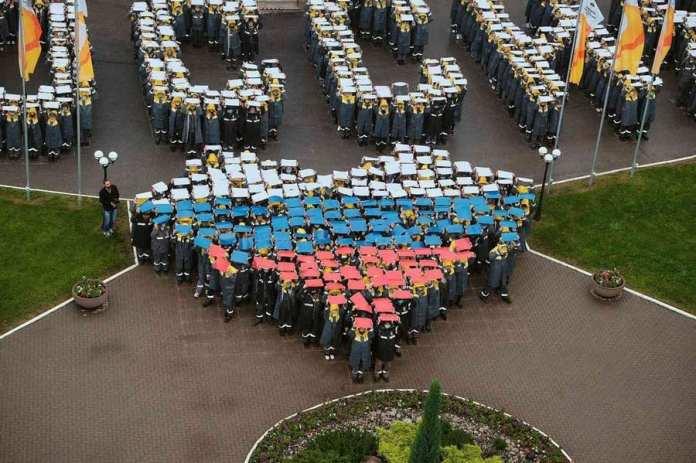 Сотрудники Рязанской НПК организовали массовый флэшмоб в рамках Дня России
