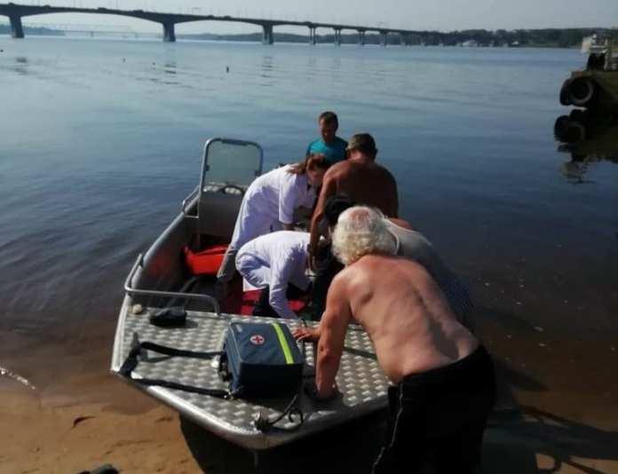 В Костроме спасли женщину, упавшую с моста через Волгу
