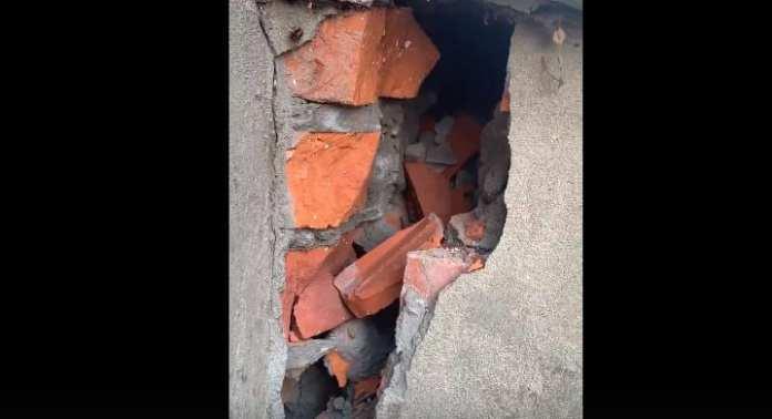 На фасаде жилого дома в Рязани появилась огромная трещина