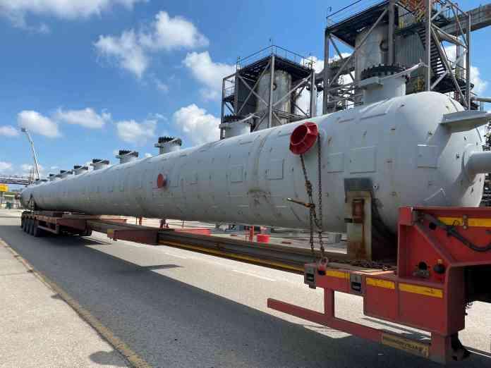 В РНПК доставили новое оборудование для газофракционирующей установки