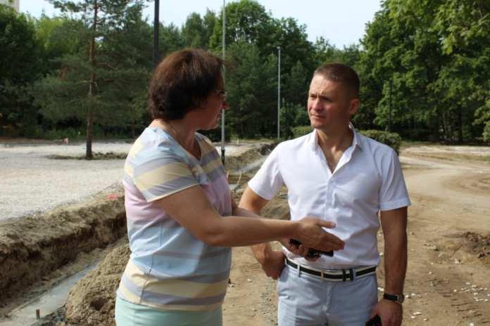Депутаты проинспектировали ход благоустройства в парке советско-польского братства по оружию