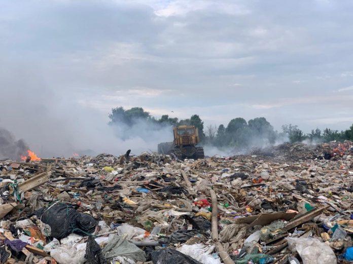 В Рязани вновь загорелась свалка на Южной окружной дороге