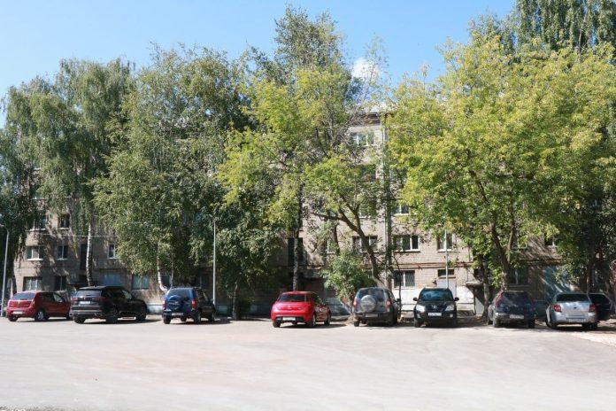 Елена Сорокина осмотрела ход благоустройства рязанских дворов