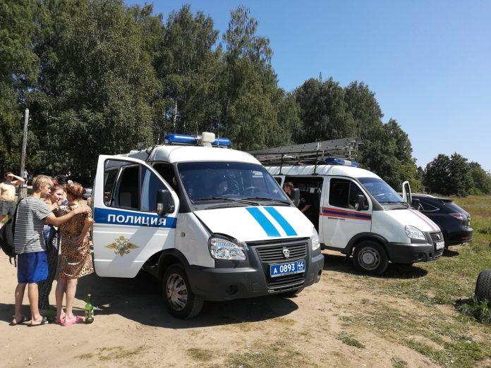 "Костромичи обсуждают ""мешки с трупами"" на местном пляже"