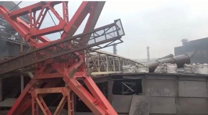 На крышу одного из цехов НЛМК в Липецке упал башенный кран