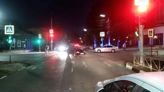 На улице Яхонтова в Рязани столкнулись УАЗ и «Лада Калина»
