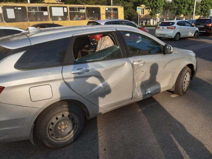 Водитель мопеда пострадал в ДТП в центре Рязани