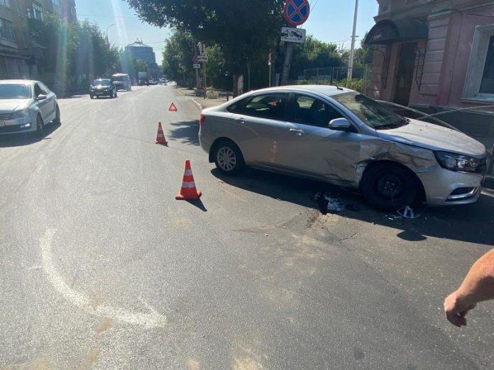 В Рязани 2 человека пострадали в столкновении «Лады» с «Тойотой»