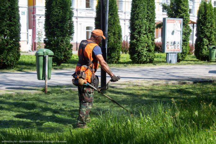 В Рязани продолжаются работы по благоустройству города