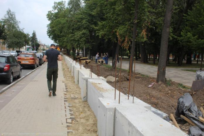 В Рязани продолжается благоустройство Верхнего городского сада