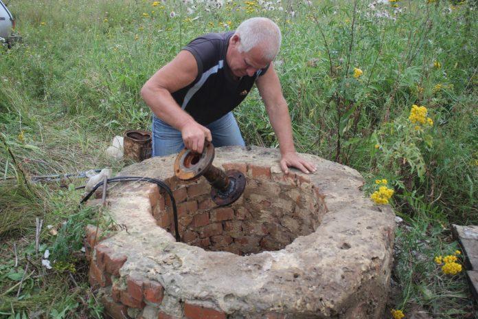 Жители села Ильинка в Скопинском районе страдают от слабого напора воды