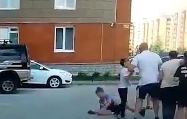 Взрослый мужчина отправил ребёнка в нокаут из-за чипсов