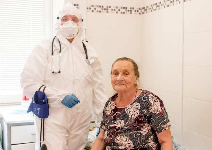 Рязанская больница вылечила от коронавируса 79-летнюю пациентку с 80% поражением лёгких