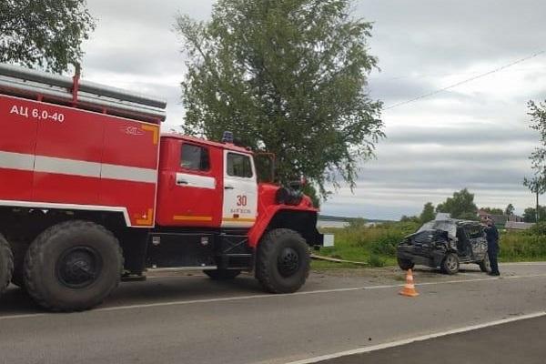 """Водитель """"Нивы Шевроле"""" погиб в результате наезда на дерево в Каргополе"""