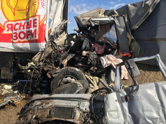 В аварии четырех грузовиков в Липецкой области погиб один из водителей