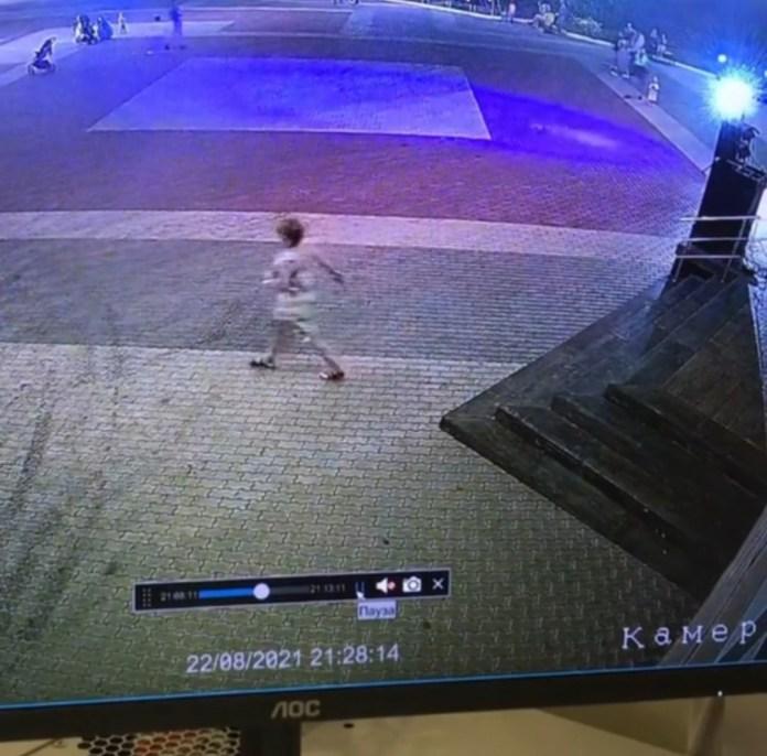 В Белгороде женщина перерезала провода у оборудования на уличной дискотеке
