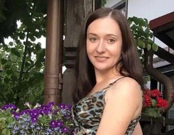 Родные пропавшей Елены Логуновой обратились к экстрасенсам